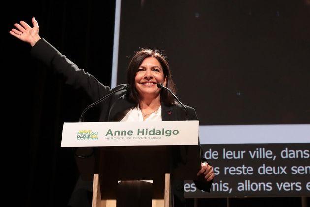 Anne Hidalgo bat largement Rachida Dati au second