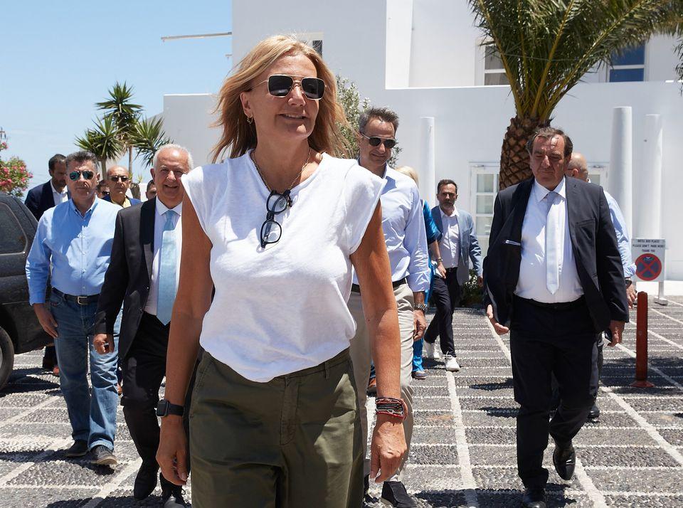 13 Ioυνίου 2020. Η Μαρέβα Γκραμπόφσκι - Μητσοτάκη συνοδεύει τον πρωθυπουργό Κυριάκο Μητσοτάκη στην
