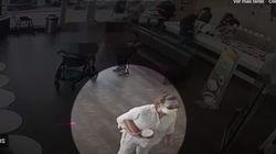 Se quita la mascarilla y tose en la cara a un bebé: la Policía busca a la mujer de