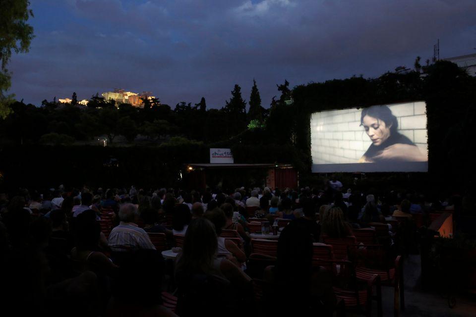 Υπαίθρια σινεμά σε εμβληματικά σημεία της πόλης από το Athens Open Air Film