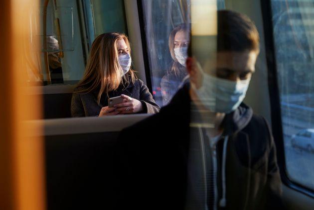 ΗΠΑ: Ολο και περισσότεροι νέοι θετικοί στον κορονοϊό - Τι σημαίνει αυτό για το δεύτερο
