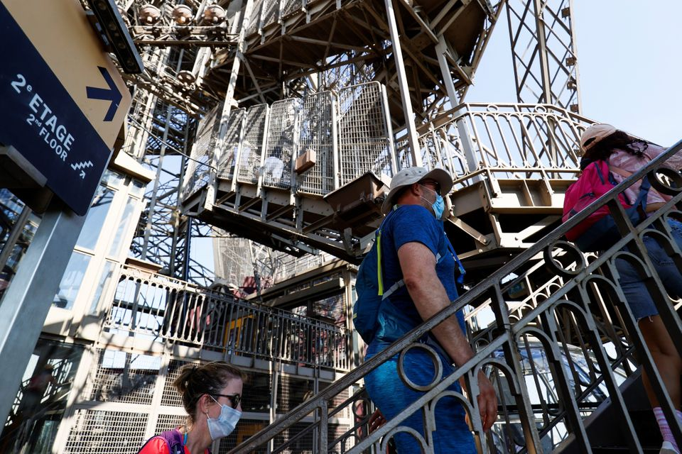 Άνοιξε και πάλι ο Πύργος του Άιφελ έπειτα από τρεις