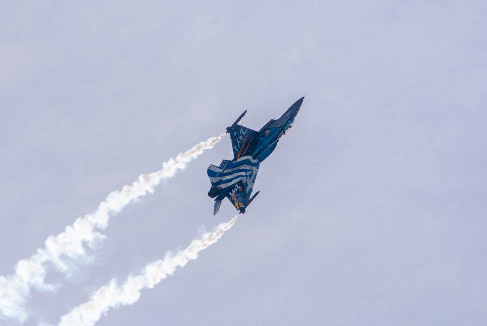 Στρατηγική ανασύνταξη για να μην παγιδευτεί η Ελλάδα στην