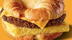 Burger King lance un sandwich croissant aux Etats-Unis, et cela ne plaît pas aux