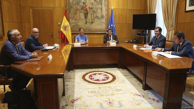 Reunión de los ministros de Trabajo y de Inclusión con los agentes