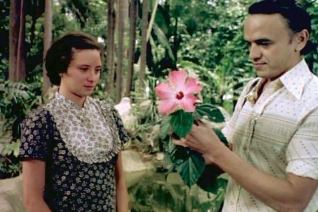 Marcelia Cartaxo e José Dumont em cena de