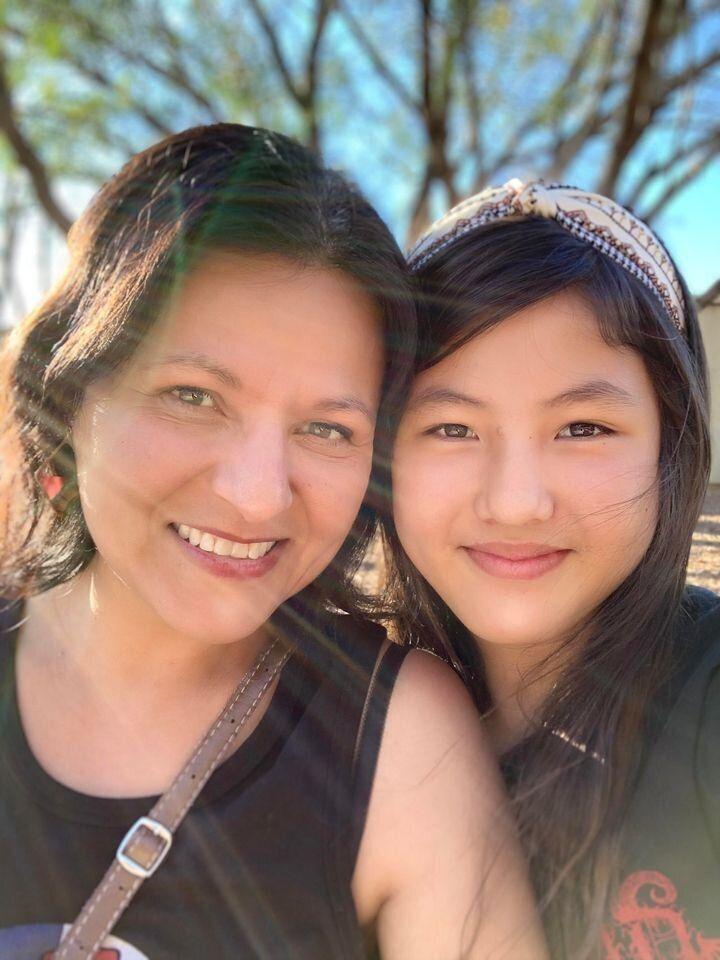 La autora y su hija.