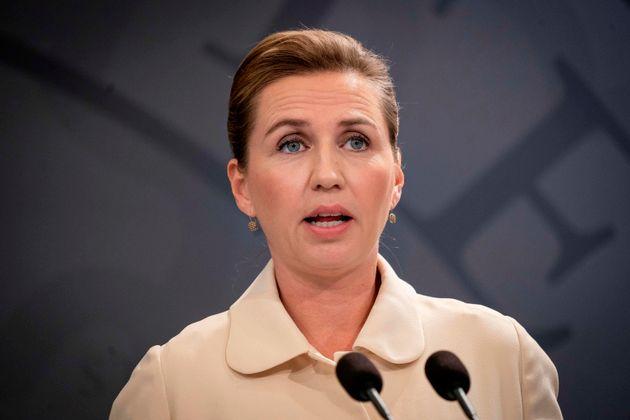 Premier danese rinvia le nozze per la terza