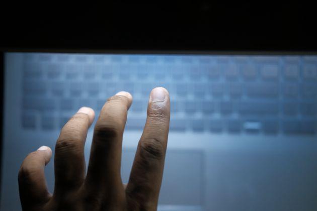 Rubati oltre un milione di dati sensibili: 20 arresti dopo una denuncia della