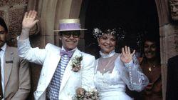 Elton John poursuivi en justice par sa première