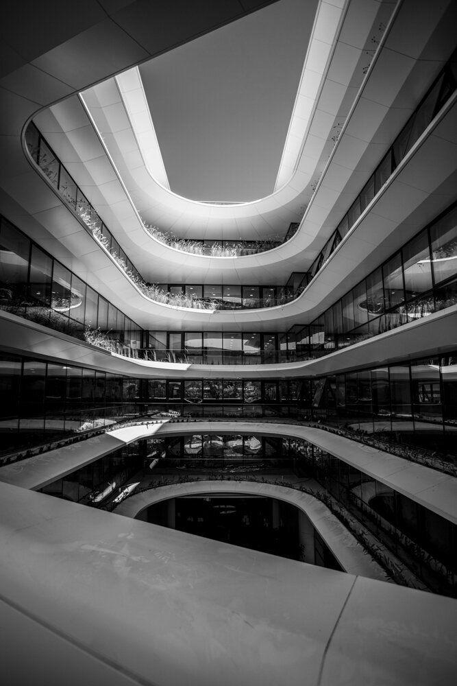 To νέο κτίριο Orbit των Vikelas Architects