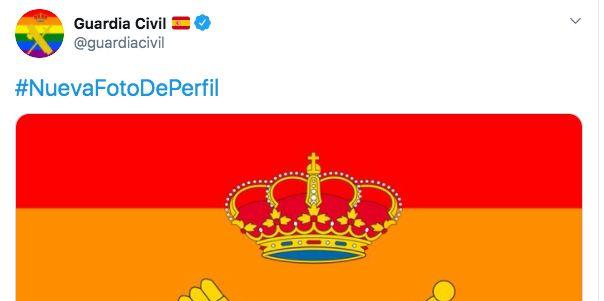 La Guardia Civil cambia su foto de perfil con la bandera