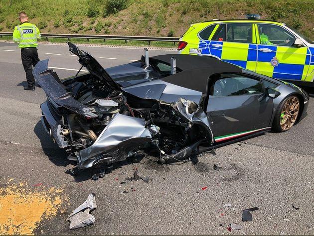 Βρετανία: Ολοκαίνουργια Lamborghini έγινε «βίδες» σε λιγότερο από είκοσι