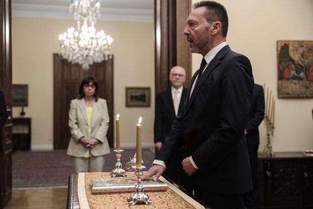 Ο Γιάννης Στουρνάρας ορκίστηκε Διοικητής της Τράπεζας της Ελλάδος