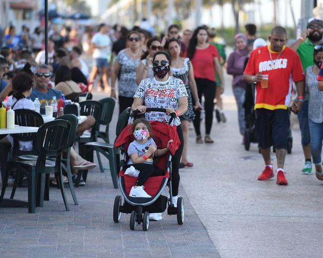 Le «Sunshine State» a comptabilisé 9 585 nouveaux malades et 24 morts sur une journée,...