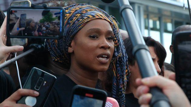 Assa Traoré, ici le 2 juin devant le palais de justice de Paris, a reçu un prix aux BET...
