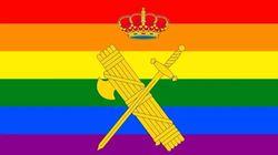 Abogados Cristianos presenta una querella contra la directora de la Guardia Civil por poner la bandera LGTBI en