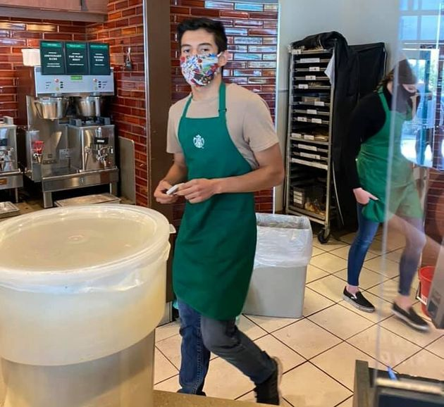 Μπαρίστα αρνήθηκε να εξυπηρετήσει πελάτη χωρίς μάσκα και έλαβε tips 80.000