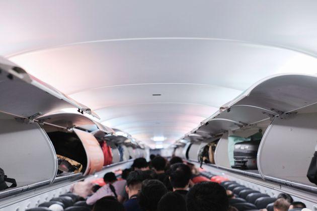 Αεροσυνοδοί αποκαλύπτουν τα πέντε λάθη που κάνουν οι επιβάτες αυτή την