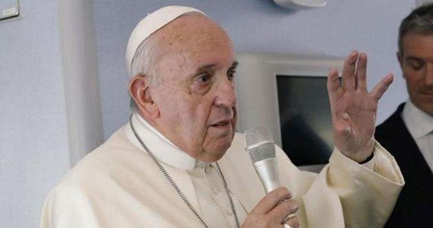 Imagen de archivo del Papa Francisco hablando en