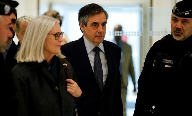 François Fillon et sa femme Penelope Fillon, ici au tribunal de Paris le 27