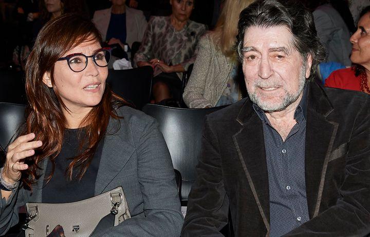 Joaquín Sabina y Jimena Coronado, en la presentación del libro 'Tiempos Recios' de Mario Vargas Llosa (28 de octubre de 2019).