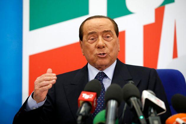 Berlusconi scagionato da un nastro? Qualcosa non quadra
