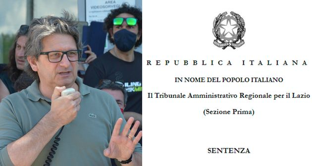 Zeno D'Agostino che parla ai lavoratori all'entrata del porto