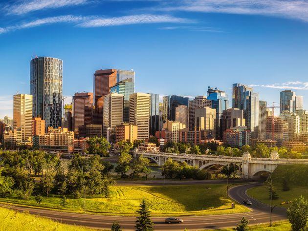 Jason Kenney veut que des entreprises s'établissent dans le centre-ville de Calgary. (photo