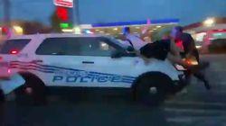 Auto della polizia investe i manifestanti a Detroit. Ecco cosa è accaduto