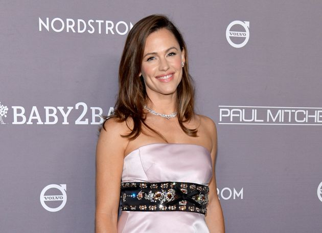 Jennifer Garner attends the 2019 Baby2Baby Gala in