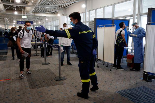 Νέες αεροπορικές οδηγίες για τα ταξίδια από και προς Ελλάδα: Ποιες πτήσεις