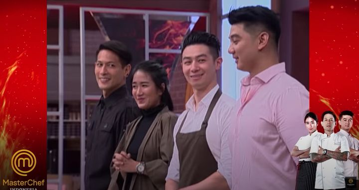 Reynold Poernomo on 'MasterChef Indonesia' with brother Arnold (far right)