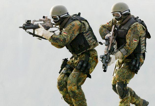 자료사진: 2004년 2월 KSK 소속 군인들이 훈련 중인