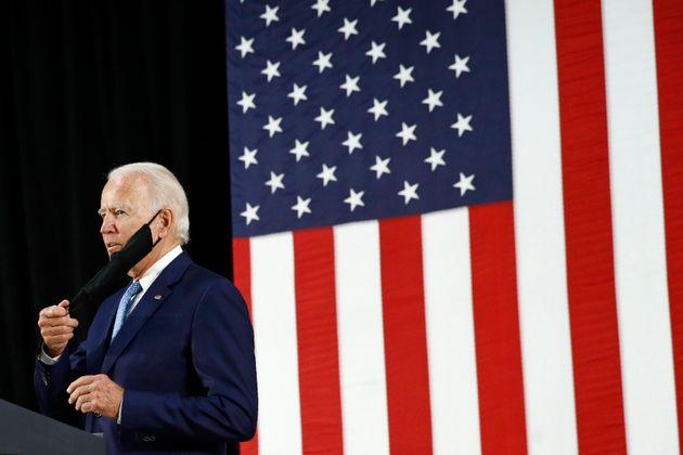 Reuters: Εκατοντάδες πρώην συνεργάτες του Μπους στηρίζουν ανοιχτά τον Τζο