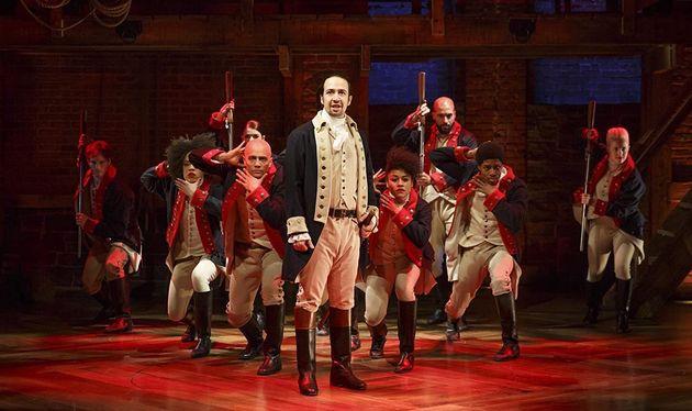 Le spectacle deLin-Manuel Miranda, ici au centre en Alexander Hamilton, a suscité un grand...