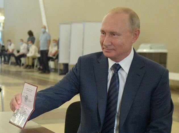 La Russie vote à 72% pour permettre (entre autres) à Poutine de gouverner jusqu'en 2036...