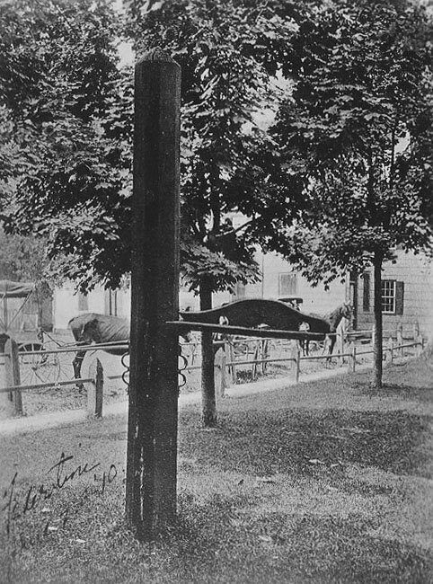 An image of the whipping post from Delaware's Public Archives.