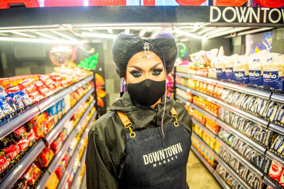 페루의 최대 성소수자 나이트클럽이 코로나19 때문에 슈퍼마켓으로 재탄생했다