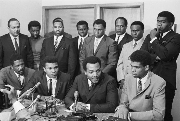 暴力から黒人を護る団体「Negro Industrial and Economic