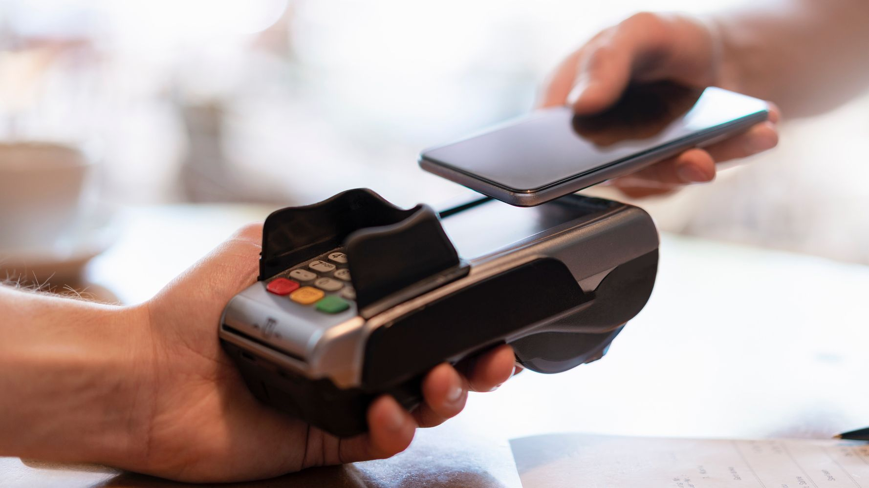 8 Contactless Payment Apps To Help You Avoid Touching Cash