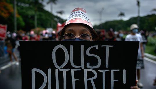 """7歳の男の子は、殺人を目撃して殺された。フィリピンの""""麻薬撲滅戦争""""の裏側で122人以上の若者が殺されている【調査レポート】"""