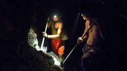 Μιανμάρ: Δεκάδες νεκροί από κατολίσθηση σε