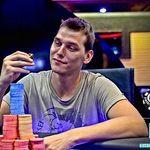 Il campione di poker Matteo Mutti è morto per il coronavirus a 29