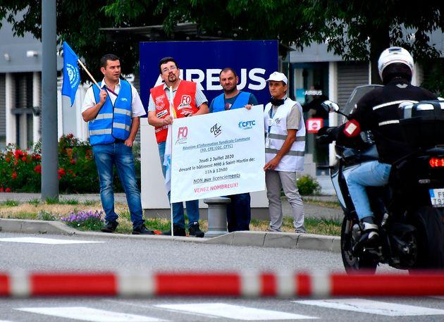 Les syndicats d'Airbus espèrent parvenir à éviter le moindre licenciement sec, après...
