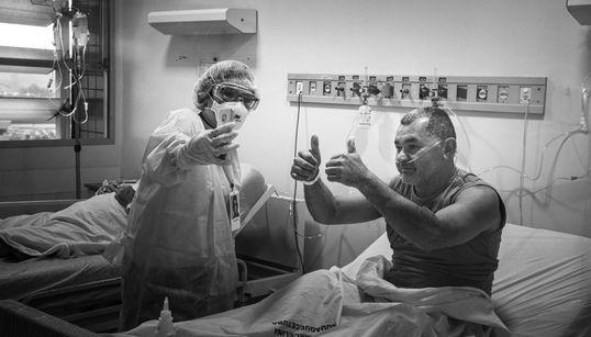 Emocionante projeto promove chamadas em vídeo entre pacientes com covid-19 e seus