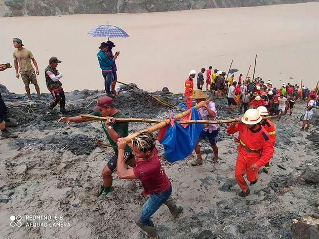 Μιανμάρ: Τουλάχιστον 126 νεκροί από την κατολίσθηση στο ορυχείο