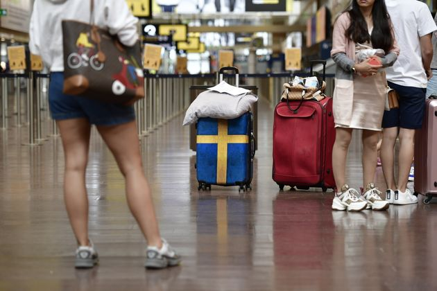 Πτήση από Σουηδία προσγειώθηκε στη Ρόδο - Όλοι οι επιβάτες θα υποβληθούν σε τεστ για