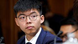 El máximo activista de Hong Kong deja el país tras los