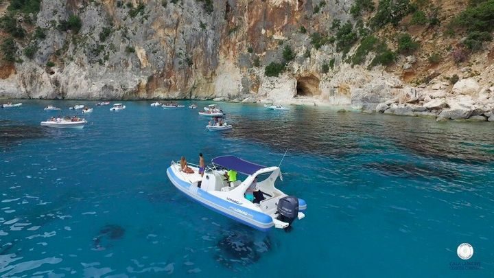 In gommone a Cala Gonone